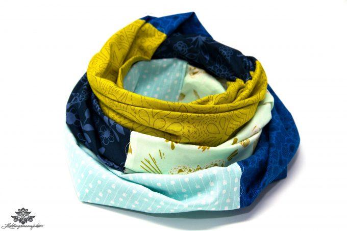 Kleidung aufpeppen Farbe Loop Schal grün blau beige