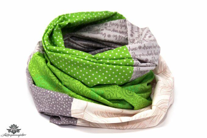 Loop Schal Punkte grün