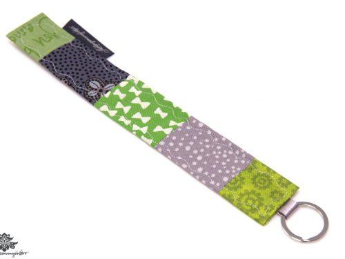 Patchwork Schlüsselanhänger grau grün