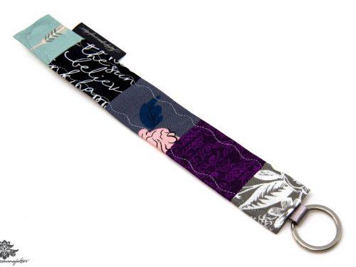 Schlüsselanhänger lila grau