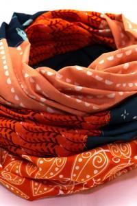 Tuch orange dunkelblau