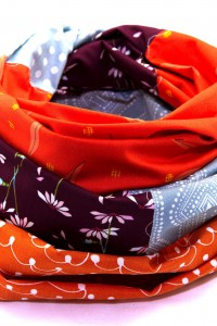 Tuch orange graublau