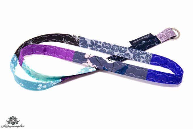 Schlüsselband lila blau