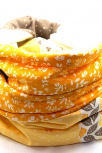Schal gelb beige
