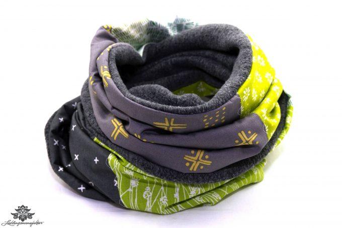 Schal grün grau