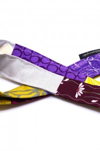 Band Badge Schlüsselband grau gelb lila