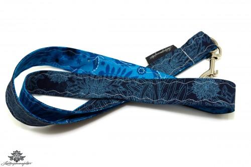 Schlüssel verlegt Schlüsselband Blümchen Blätter blau