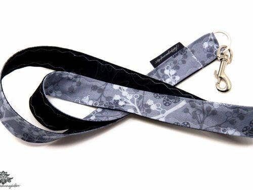 Schlüssel verlegt Schlüsselband florales Muster schwarz grau