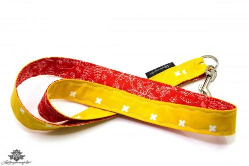 Schluessel verloren Schluesselband gelb rot
