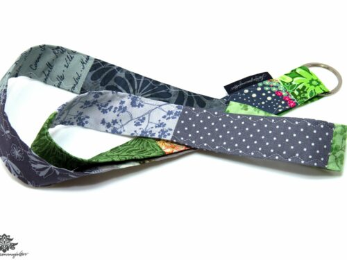 Lanyard grün grau Blumenmuster