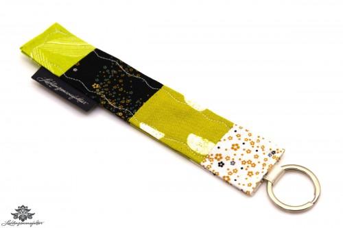 Schlüsselanhänger Stoff grün beige