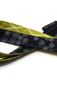 Schlüsselband schwarz grün Blumen