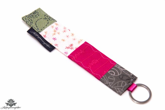 Schlüsselanhänger Stoff rosa grau