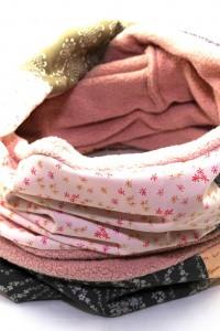 Loopschal grau rosa Winter