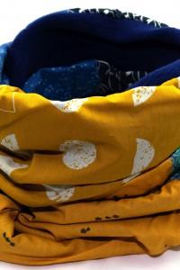Schal gelb dunkelblau Winter
