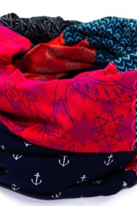 Schal rot dunkelblau