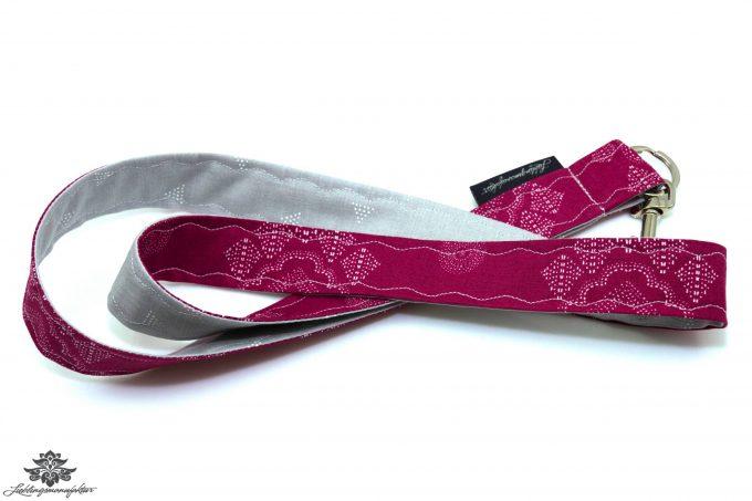 Schlüsselband grau pink