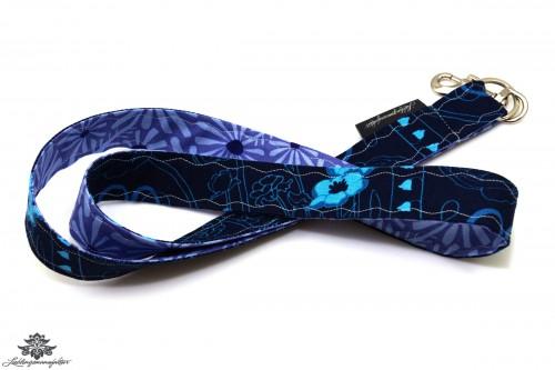 Schlüsselbund dunkelblau
