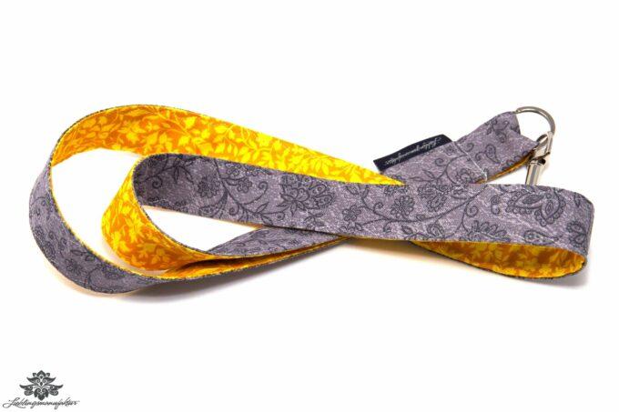 Schlüsselbund grau gelb