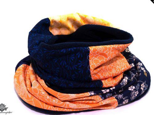 Dunkelblauer Schal