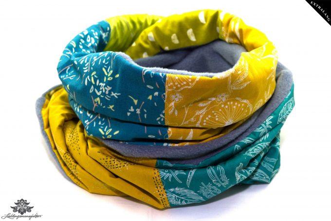 Gelb-blauer Schal