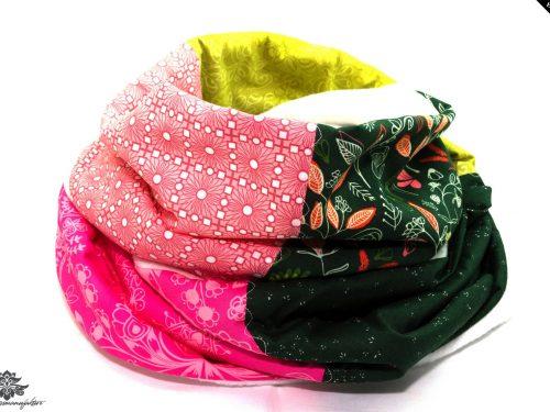 Rosa-grüner Schal