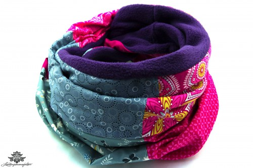 Schal pink blau