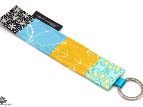 Schlüsselanhänger blau gelb schwarz