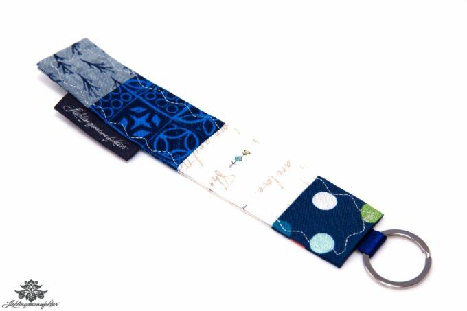 Schlüsselanhänger blau weiss
