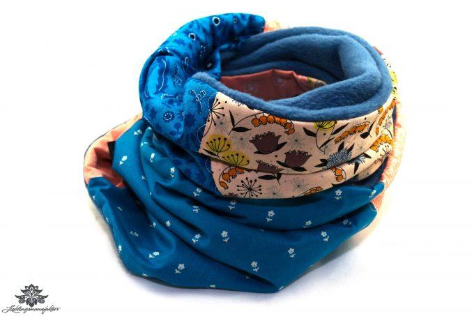 Bunter Schal blau rosa
