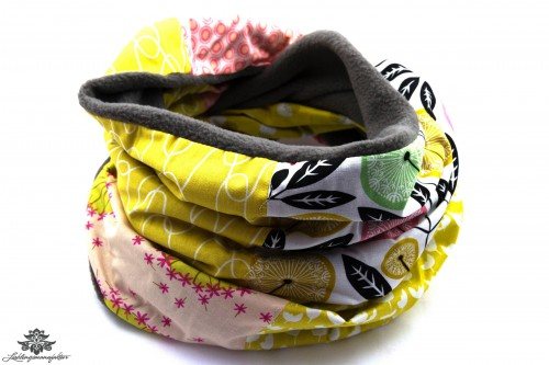 Langer Schal gelb grau rosa