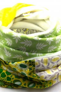 Schal weiss grün gelb