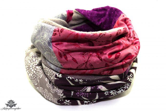 Grauer Schal mit Fleece