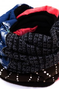 Loopschal Winter schwarz rot blau