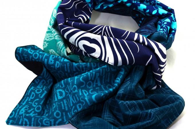 Tuch blau