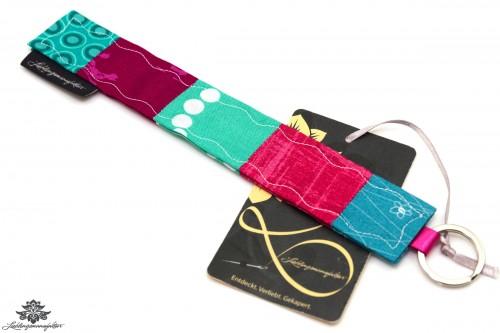Schlüsselanhänger türkis handmade